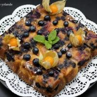 Cake  au mascarpone , myrtilles et abricots.