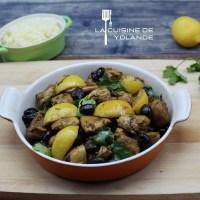 Tajine de poulet aux citrons confits et olives.