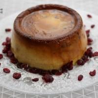Gâteau de semoule aux cranberries.
